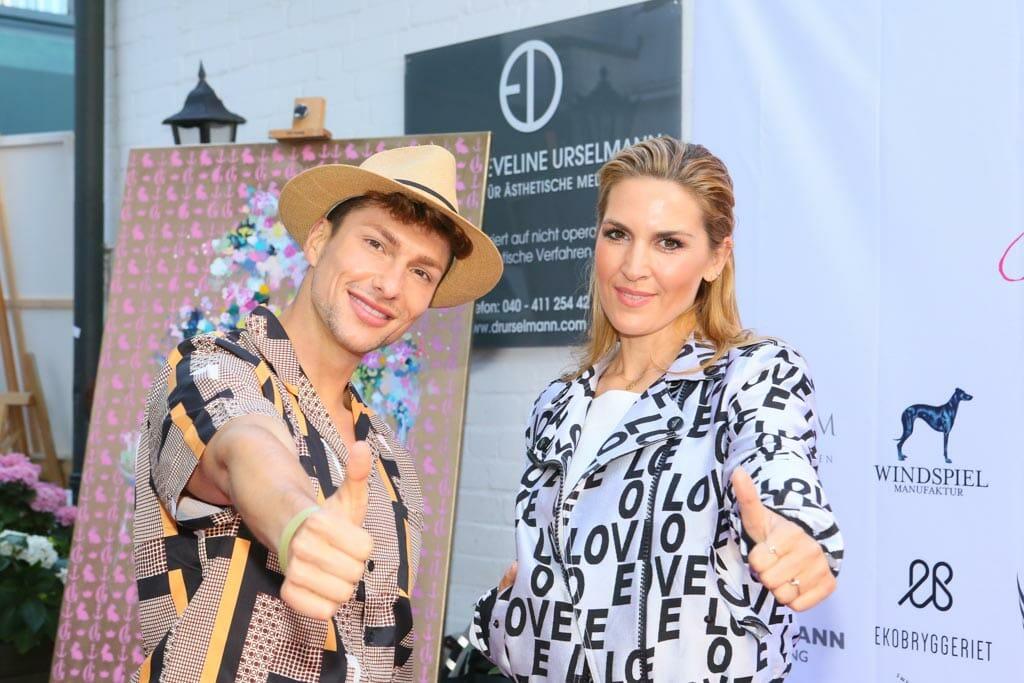 Sänger und Model Sebastian Kempin aus Berlin und Hair & Make Artist Alicja Lisiak(Lets Glow, Vox) (c) Petersen Relations.JPG